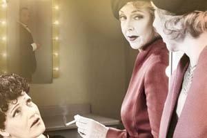 In bed met Dietrich en Piaf