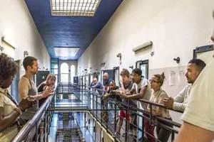 STRAF: Theater in oude gevangenis Wolvenplein