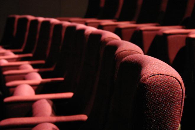 Theaters: minder personeel, meer publiek