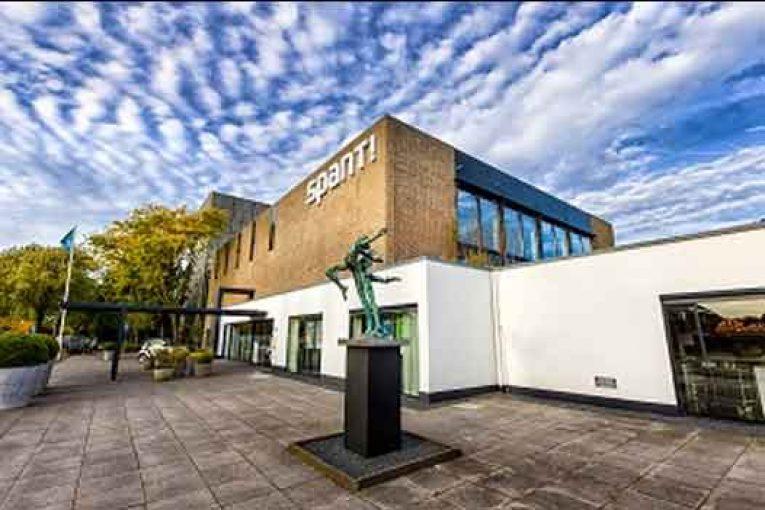 Boerderij Huizen Theater : De boerderij huizen theaters in nederland