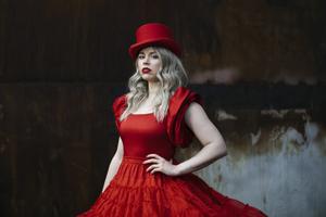 Lisa Loeb brengt videoclip 'Mijn Odyssee' uit