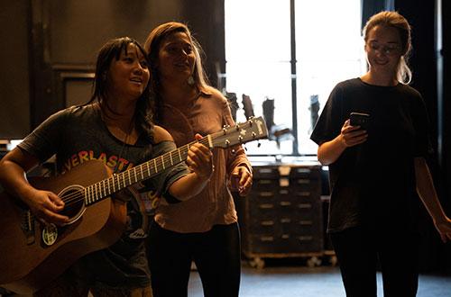 Muziektheatervoorstelling Rumah Saya vertelt verhaal Nederlands-Indië